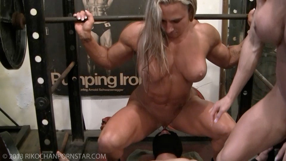 Muscular pornstar ashlee chambers naked in the gym 5