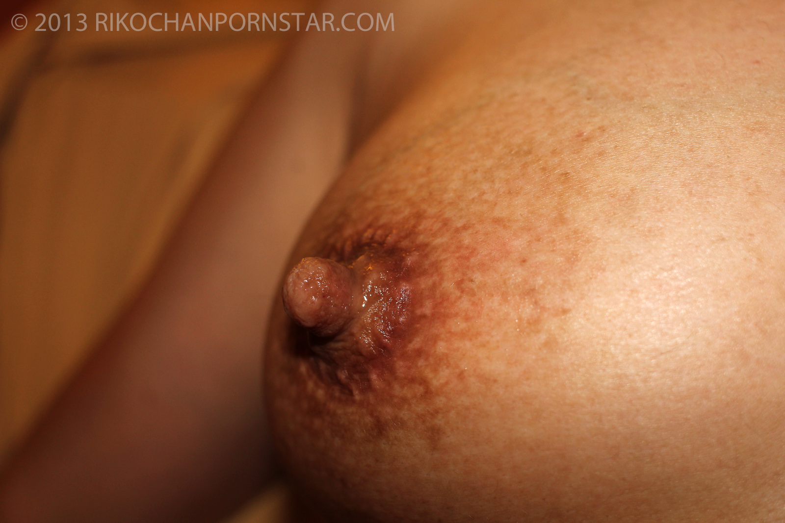 Japanese amateur Rikochan's breasts may small, but she has big sensitive nipples!